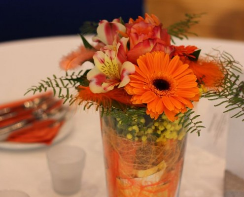Tischgestecke im KuKo zum Rosenball 2015